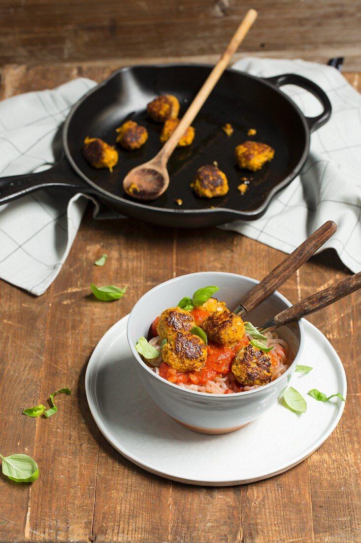 Shirataki spaghetti with pumpkin balls in tomato sauce (low carb)