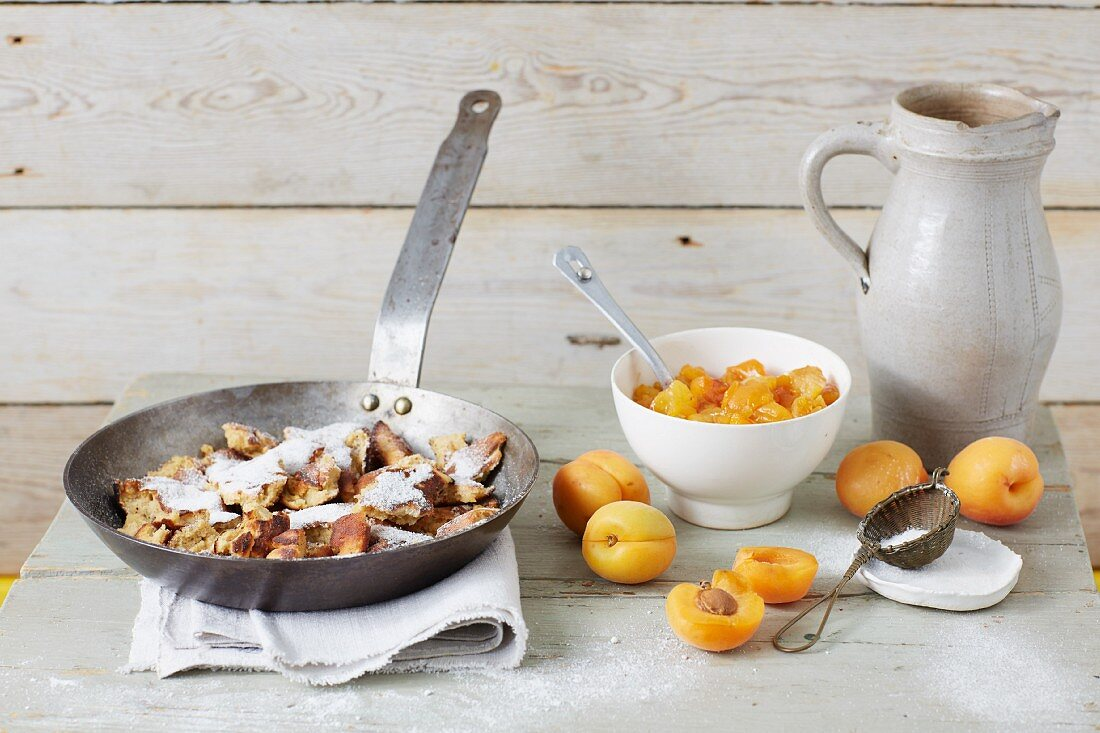 Sugar-free 'Topfenschmarrn' (shredded pancakes with quark) served with stewed apricots