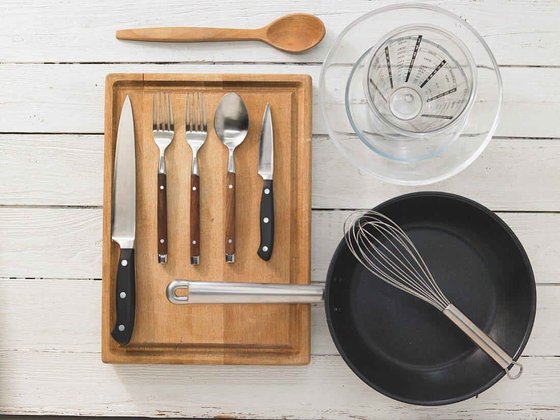 Kitchen utensils for making mushroom omelettes