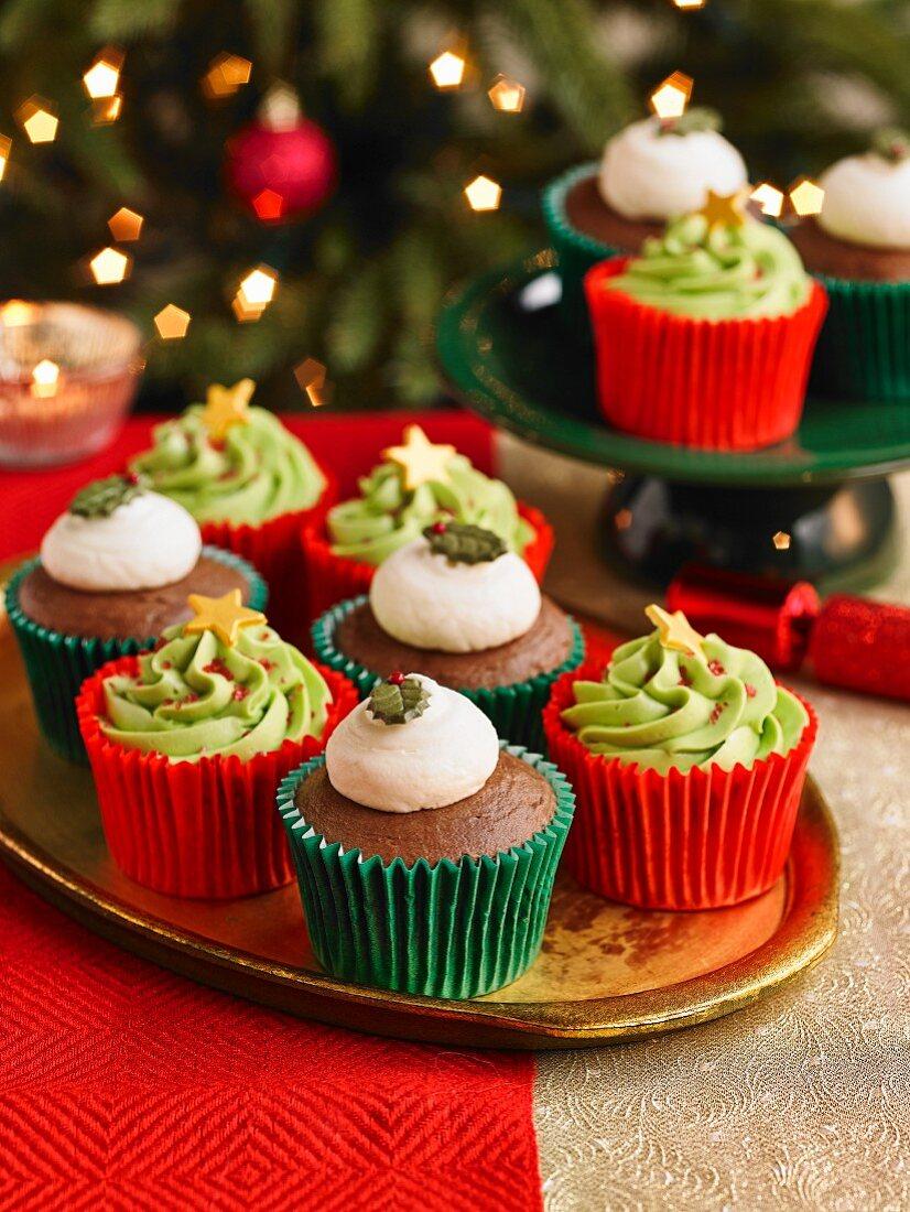 Christmas Tree And Christmas Pudding Cupcakes