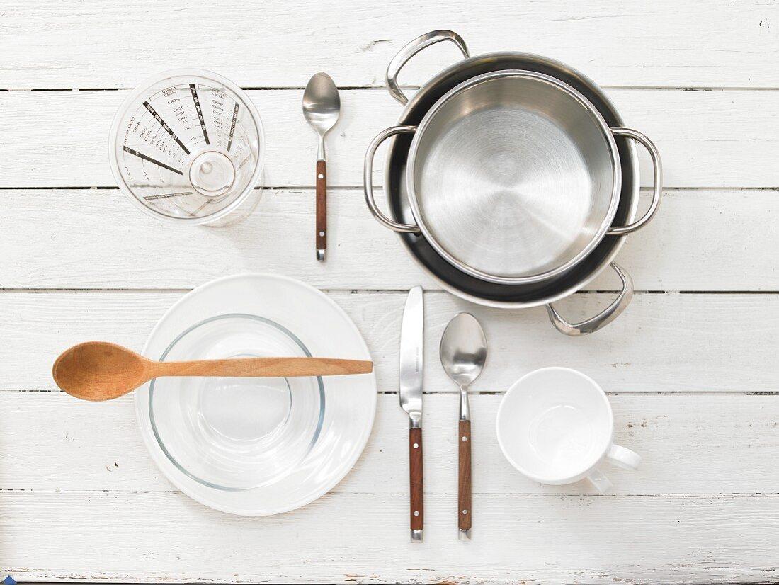 Kitchen utensils for making cream caramel