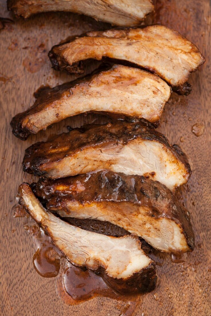 Grilled spareribs with sauce