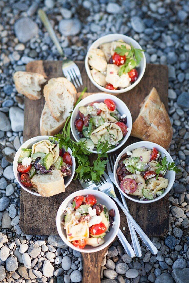 Tortellini salad with vegetables