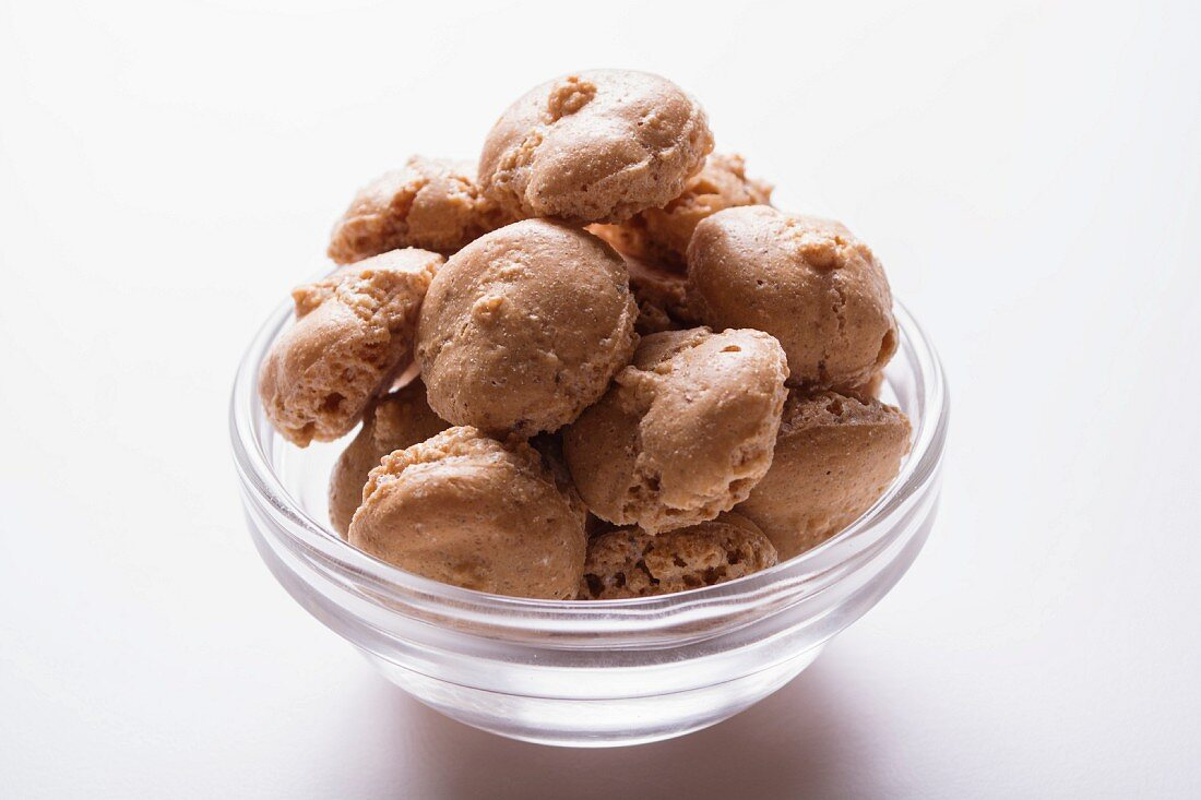 Hazelnut biscuits in a glass bowl