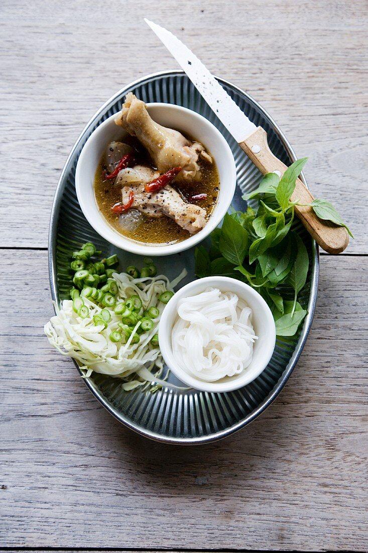 Nam Ya Bpa Gai Sai Khanom Jin (spicy chicken curry with rice noodles, Thailand)