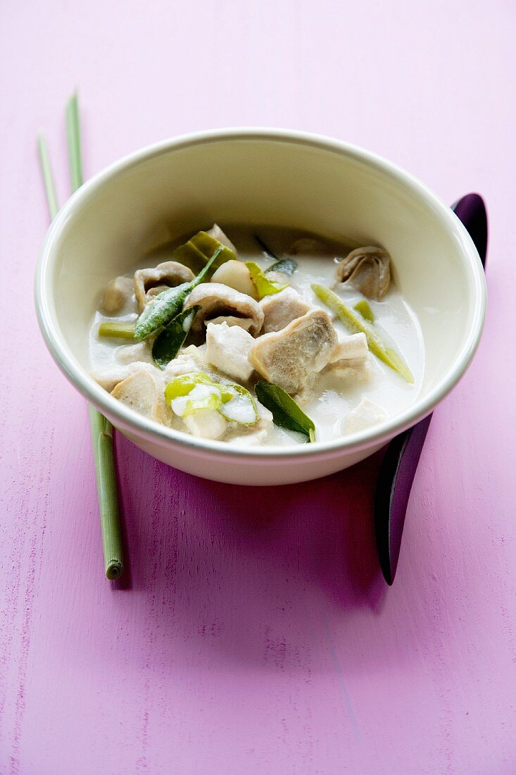Tom Khaa Gai (spicy-sour soup with chicken and coconut milk, Thailand)