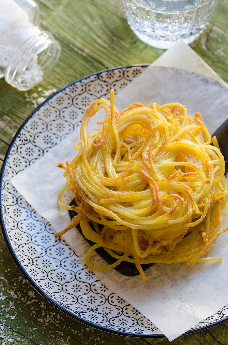 Nidi di rondine (Italian spaghetti nest)