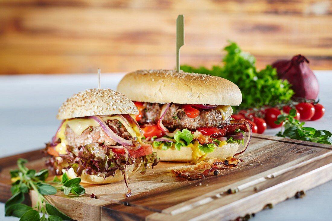 Mini hamburger and hamburger