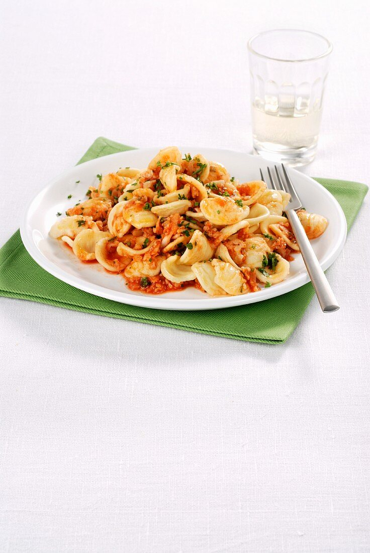Orecchiette pasta with cauliflower, anchovies and tomatoes