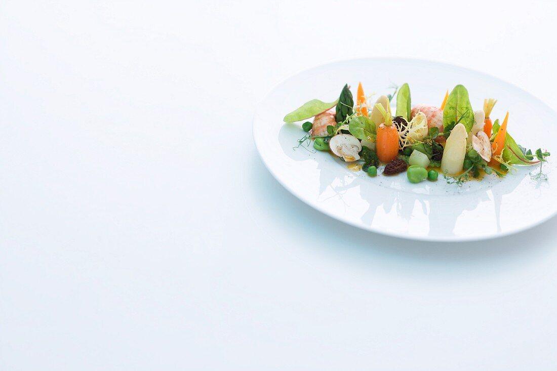 Lauwarmer Gemüsesalat nach Art von 'Leipziger Allerlei'