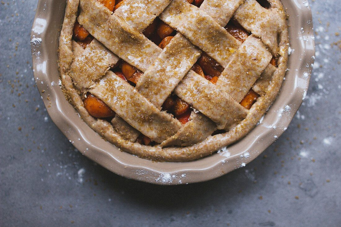 Apricot pie with a lattice topping