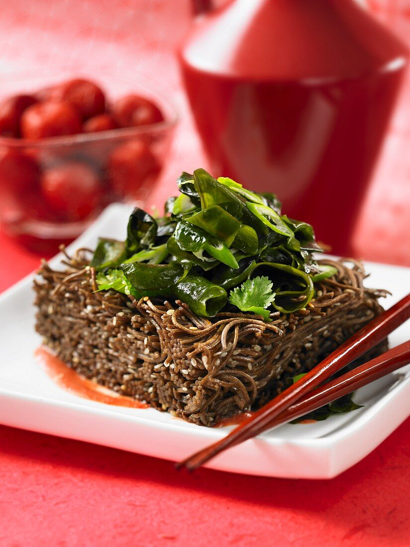 Soba noodle bake with green vegetables and coriander