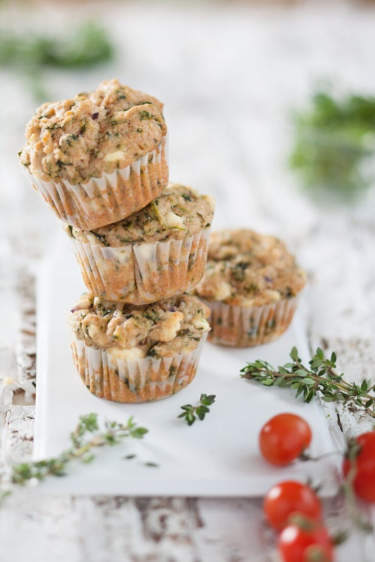 Wholemeal spinach muffins with sheep's cheese