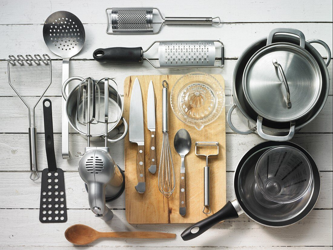 Kitchen utensils for making tofu dumplings, mashed potatoes and sauce