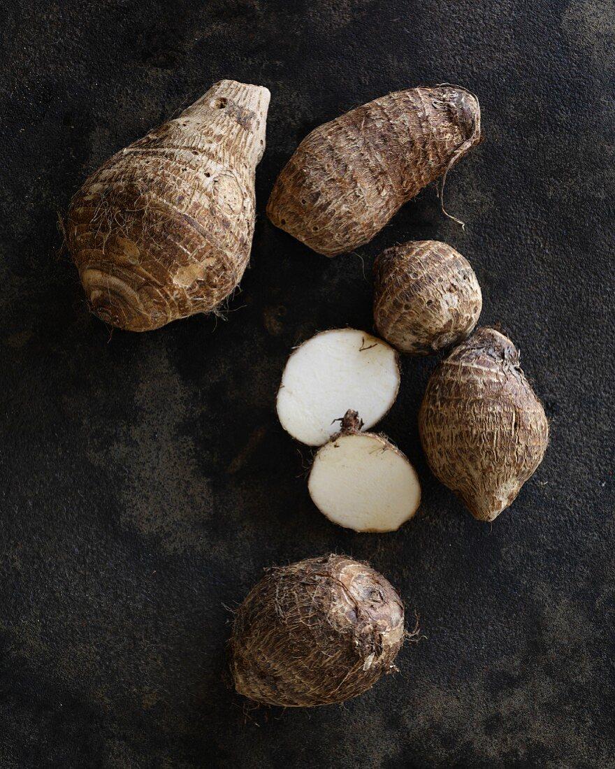 Several taro roots