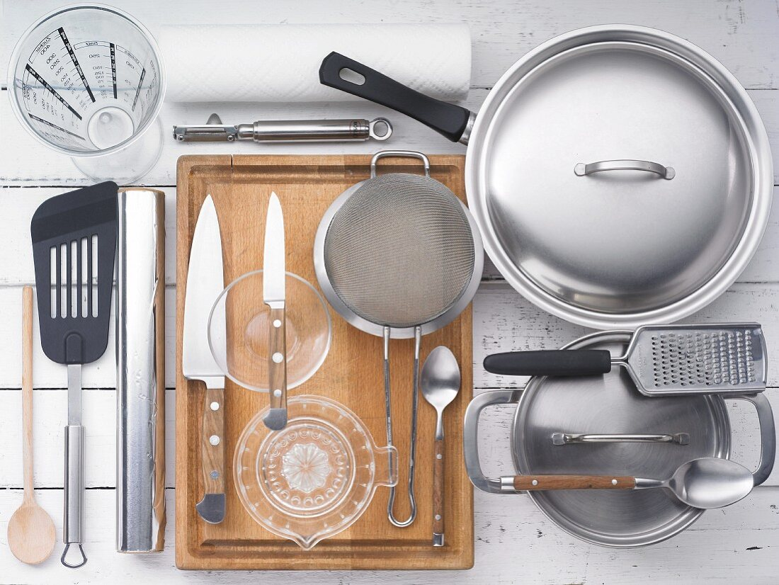 Kitchen utensils for preparing meat and vegetables