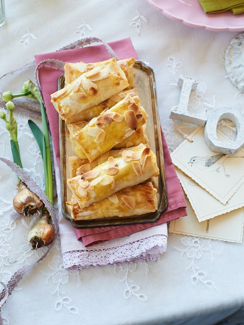 Almond filo pastries