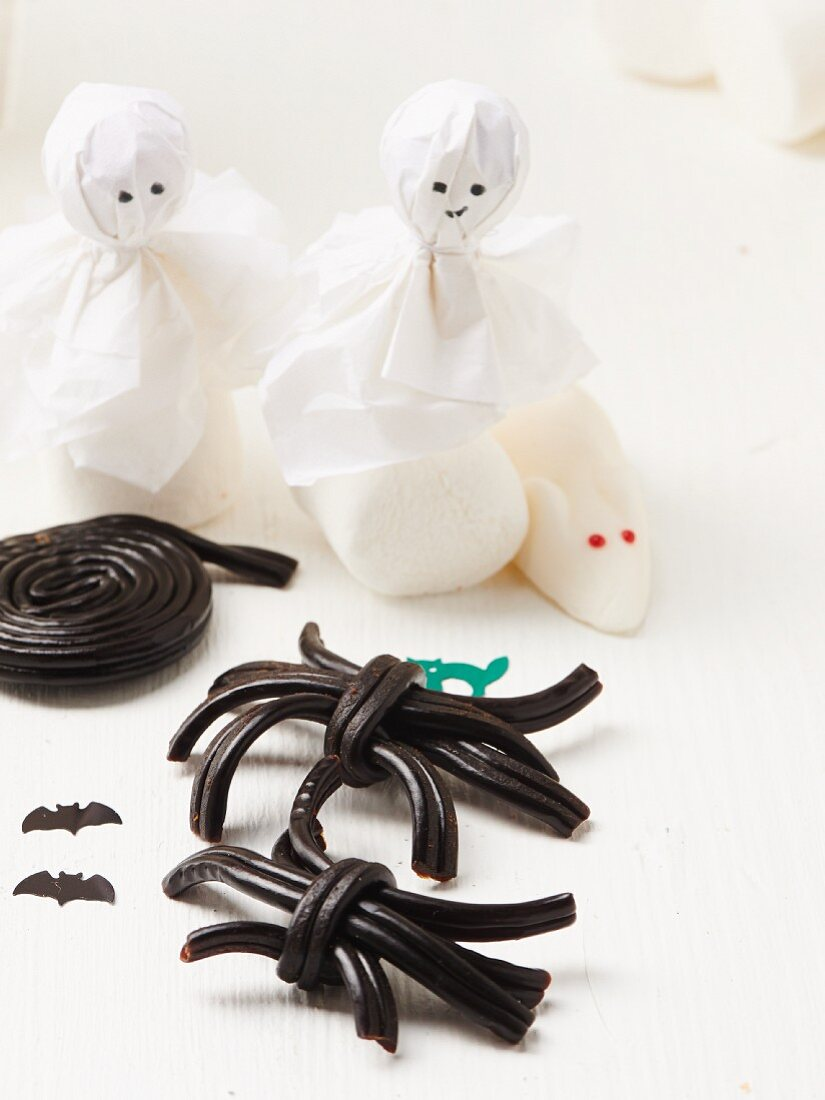Licorice spiders, white mice and ghosts made from marshmallows for Halloween