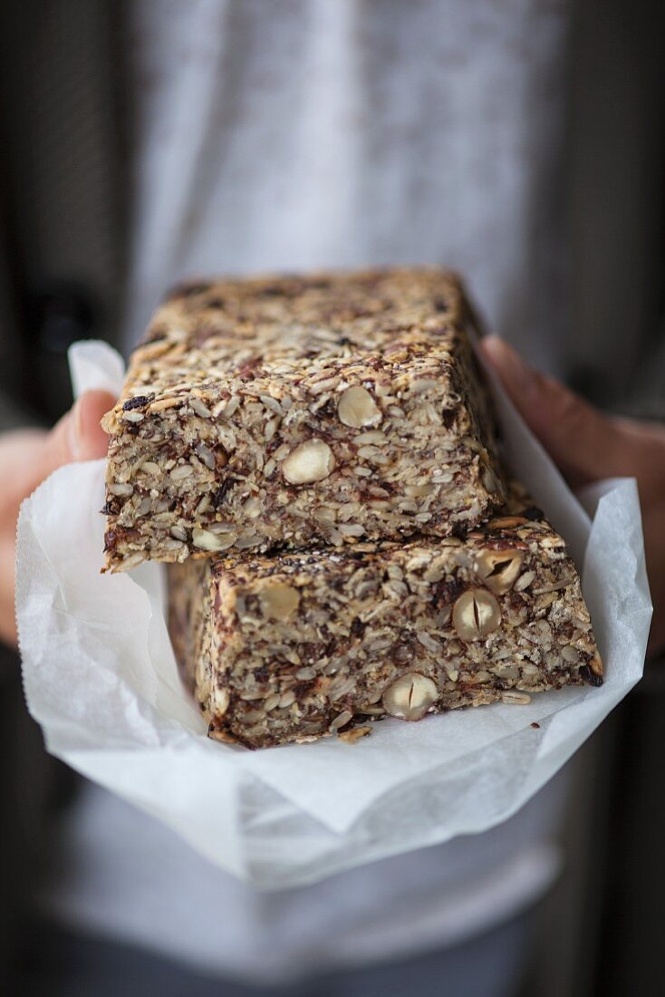 Chia seed bread with psyllium husks, rolled oats, hazelnuts and linseed