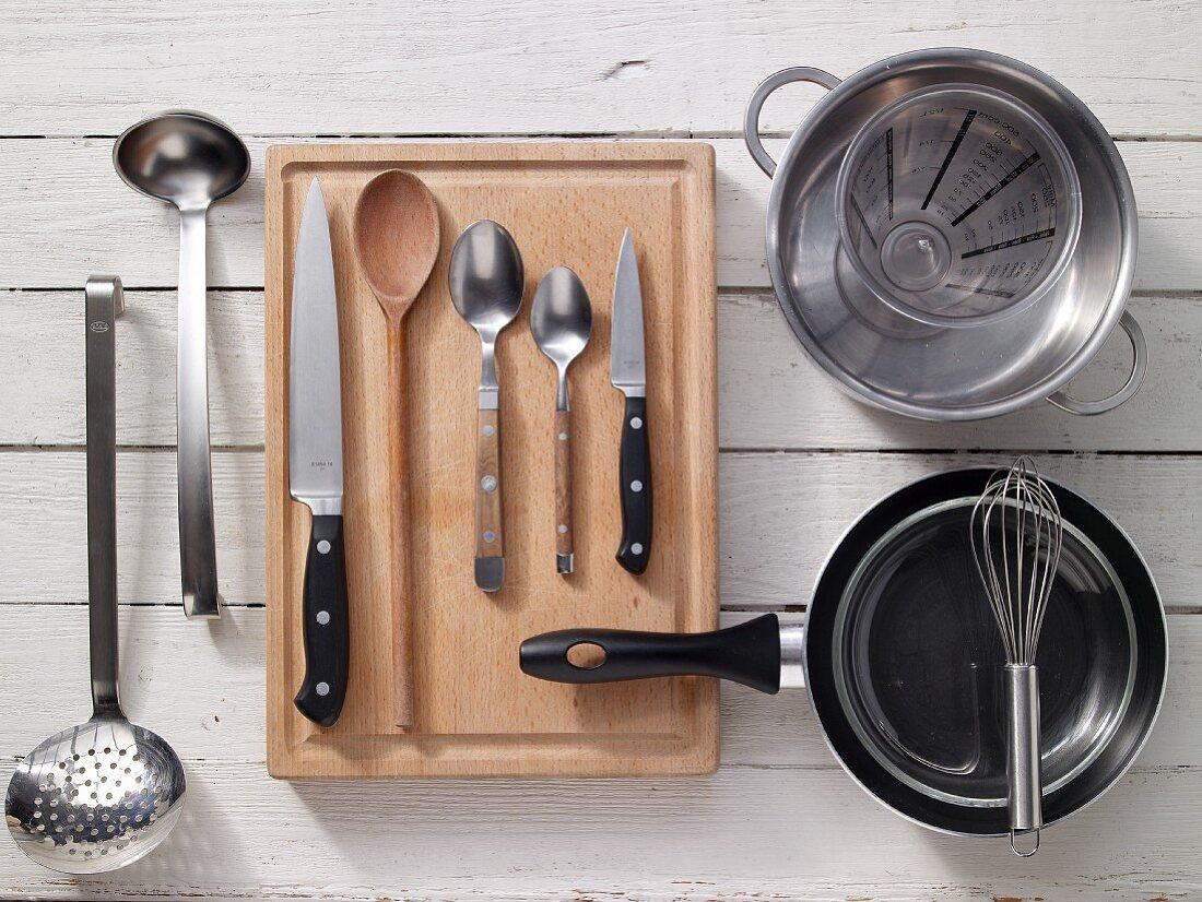 Kitchen utensils for preparing eggs