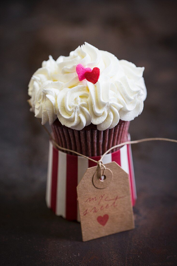 Red velvet cupcakes with vanilla frosting for Valentine's Day