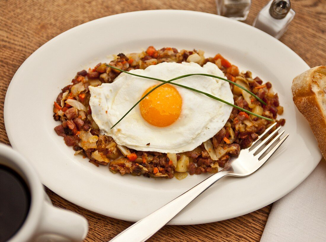 Corned beef hash with a fried egg (USA)
