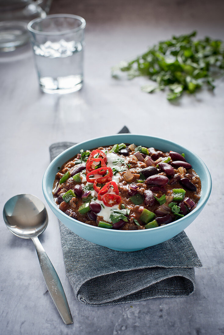 Beef chilli con carne with fresh pepper