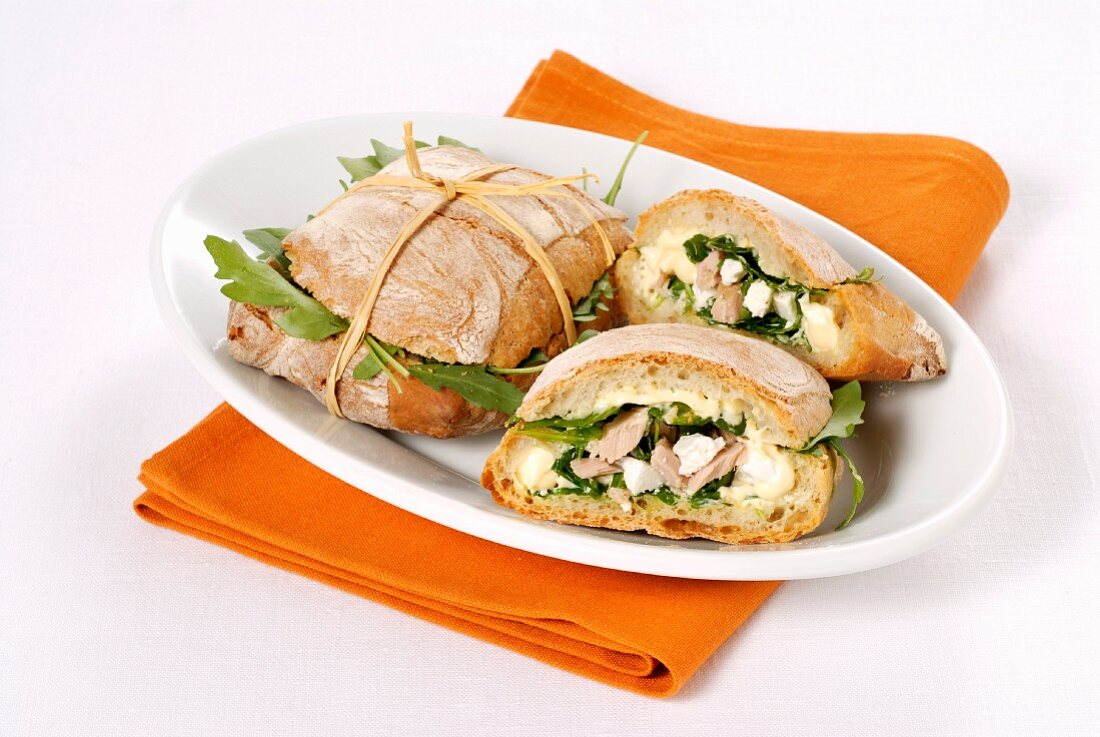 Thunfischsandwich mit Rucola und Ricotta