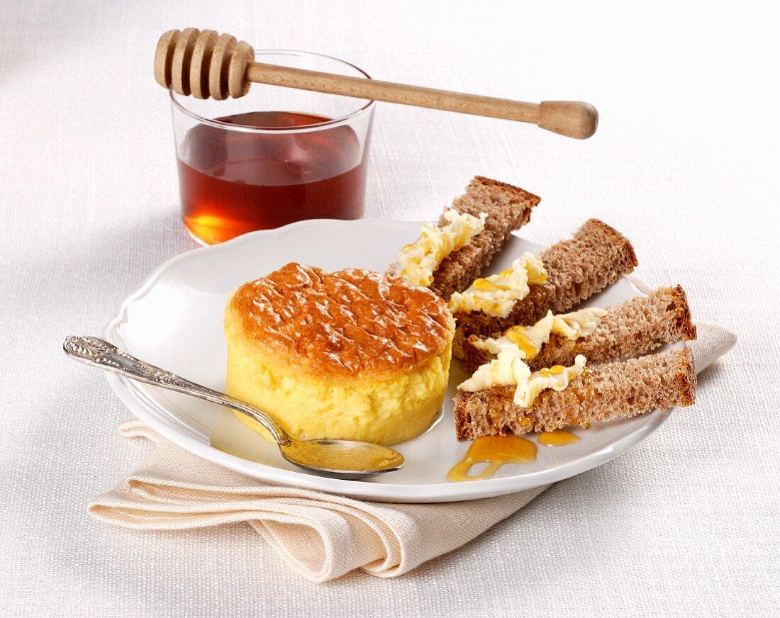 Sformatino al formaggio (an Italian cheese flan with bread and honey)
