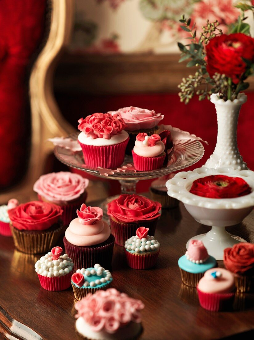 Pink and red wedding cupcakes