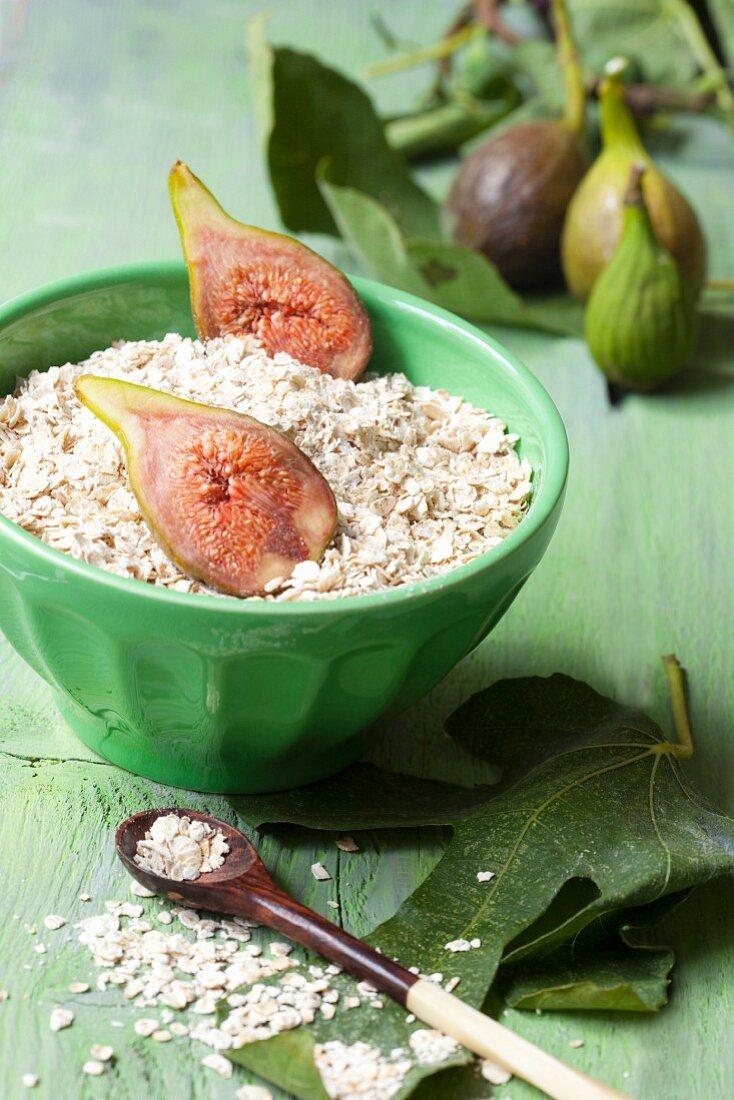 Porridge oats and fresh figs