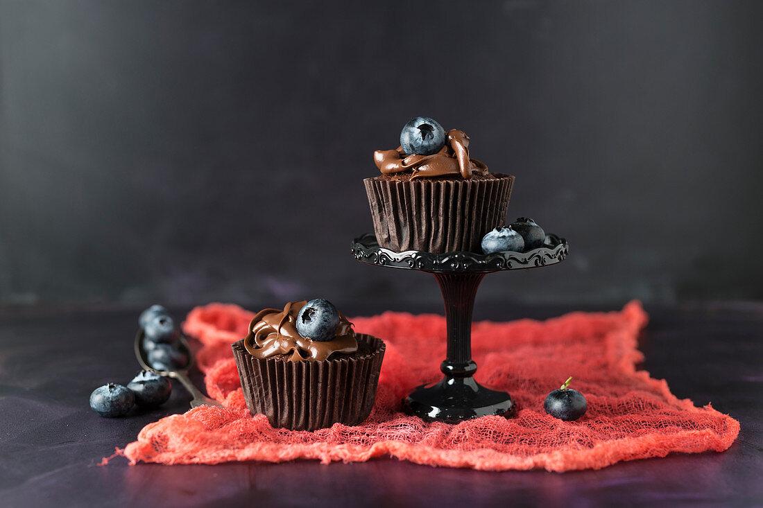 Blaubeercupcakes mit Schokocreme