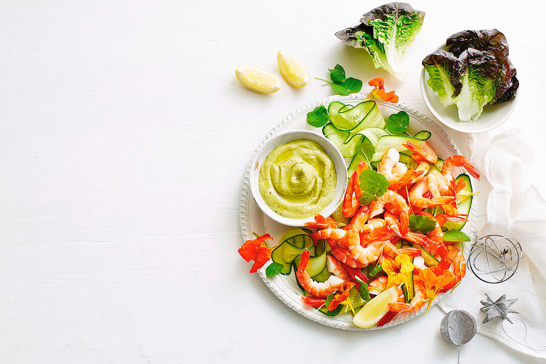 Prawn cocktail platter with green seafood sauce