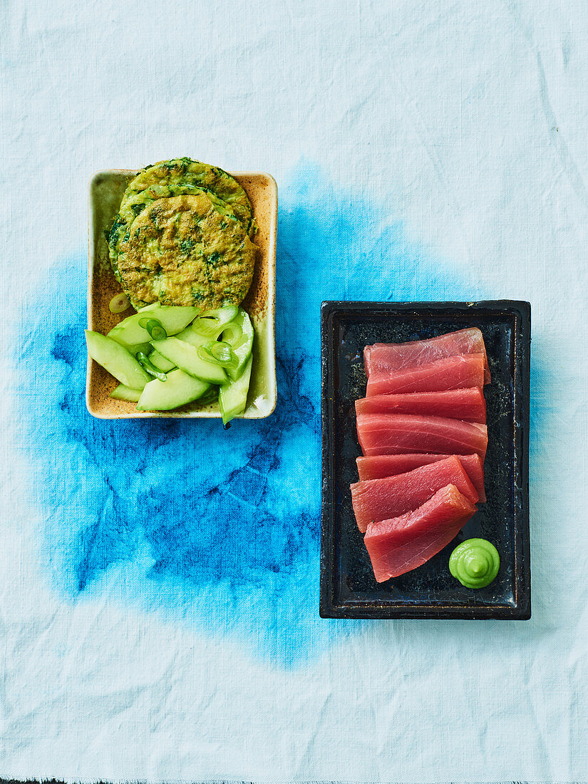 Sashimi with spinach pancakes (Yap Islands)