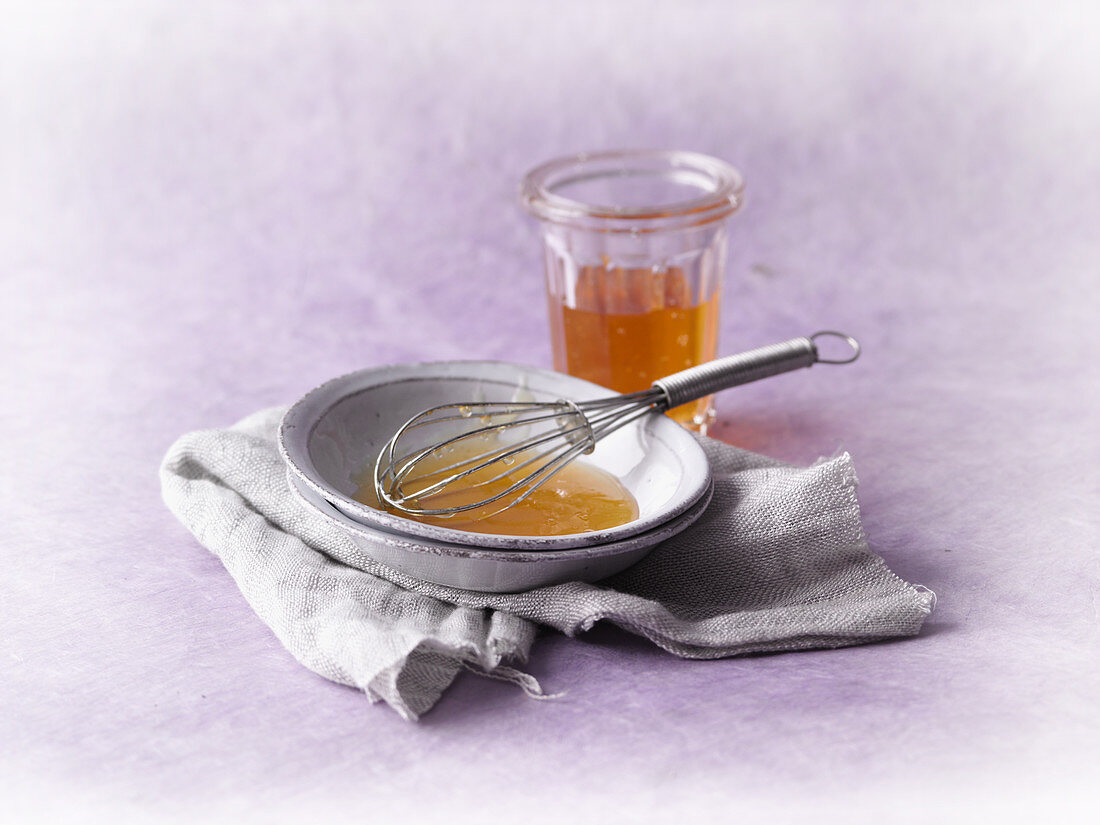 A honey mask with almond oil