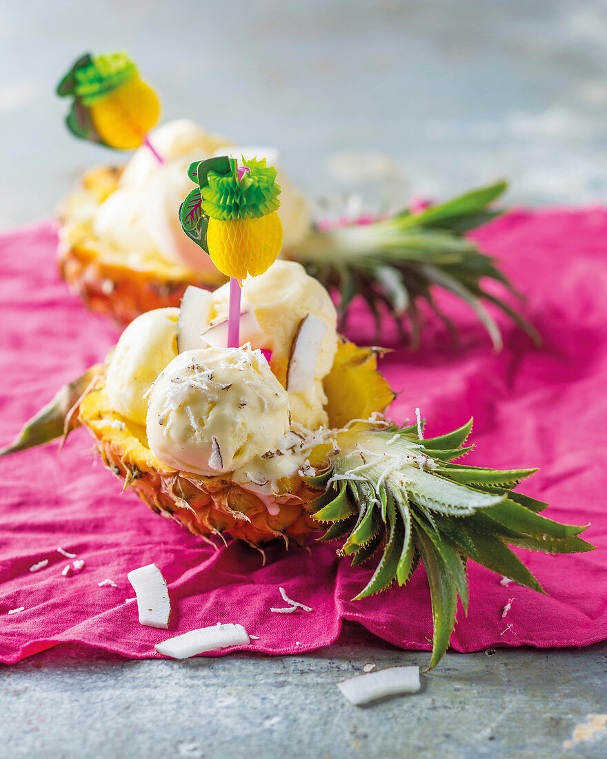 Piña Colada frozen yoghurt served in a pineapple