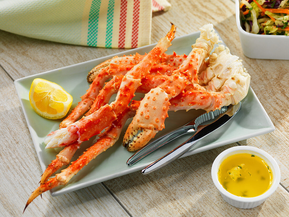 Crab legs with butter and lemons