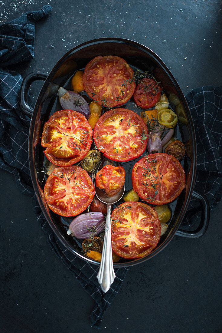 Oven roasted tomatoes with shallots and thyme