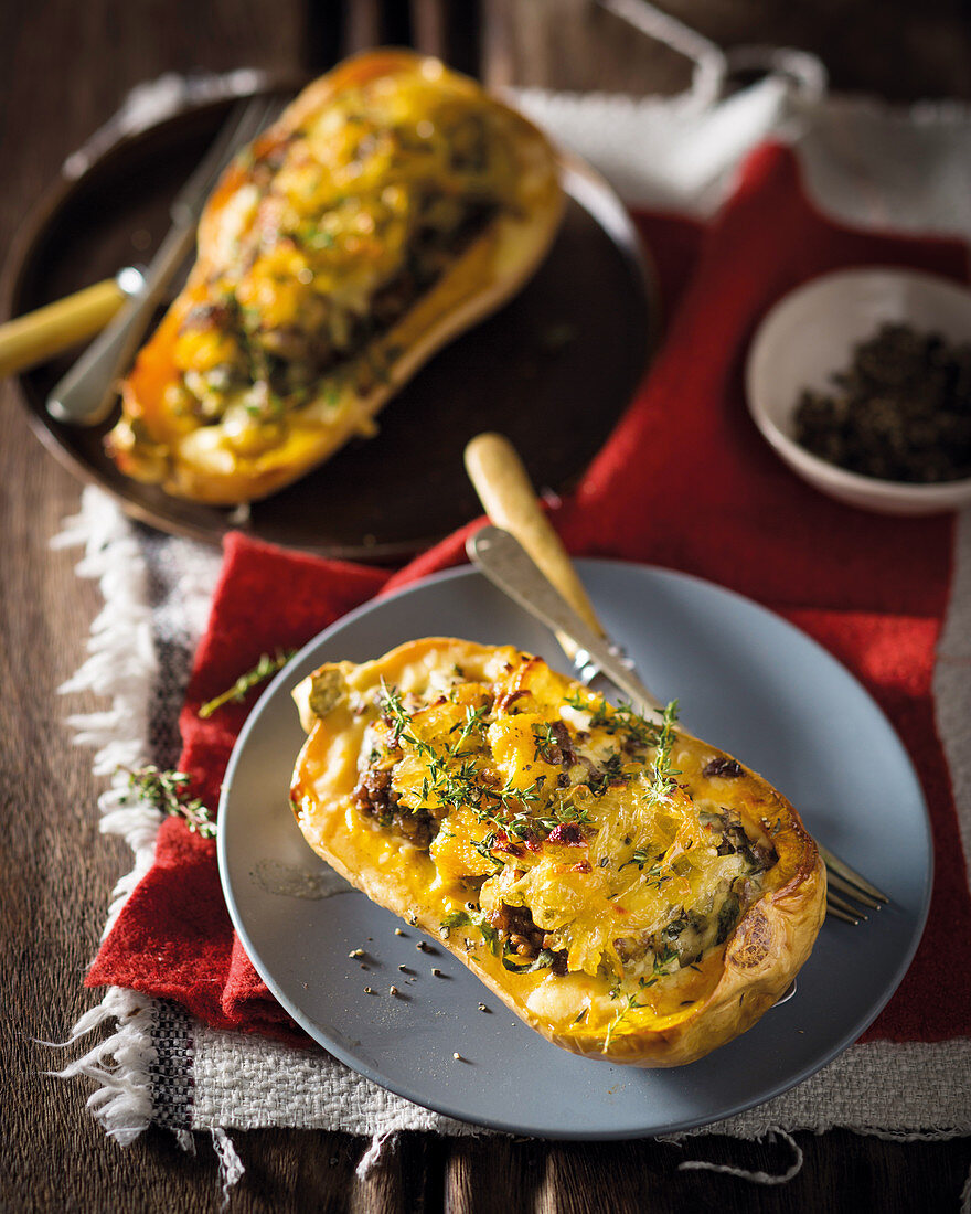 Butternut squash with a minced meat stuffing and thyme