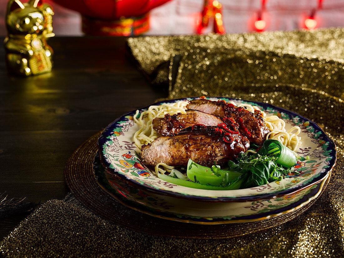 Schweinefleisch mit geräuchertem Meersalz-Karamell (Asien)