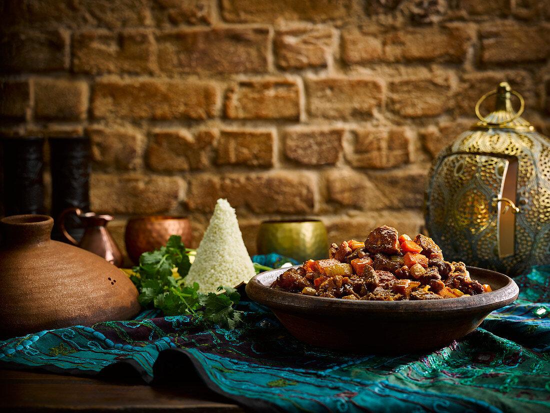 Wild-Tajine mit Möhren und Couscous
