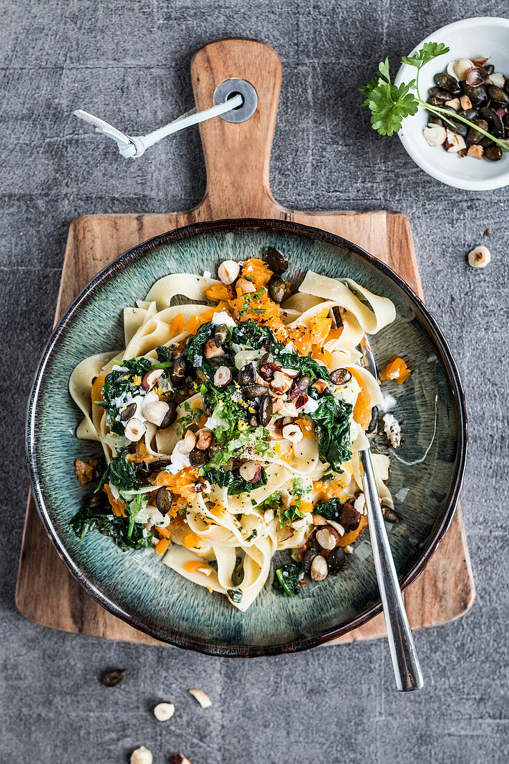 Tagliatelle with pumpkin, spinach and goat's cheese