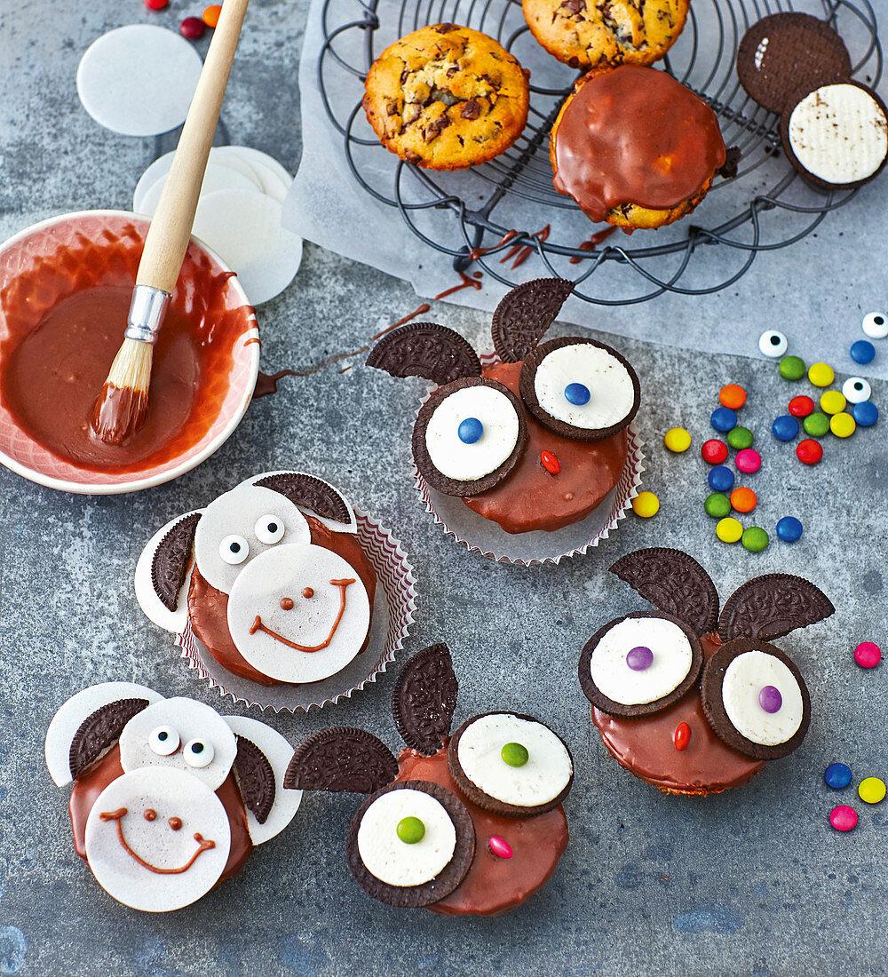 Eulen- und Affen-Muffins mit Oreos