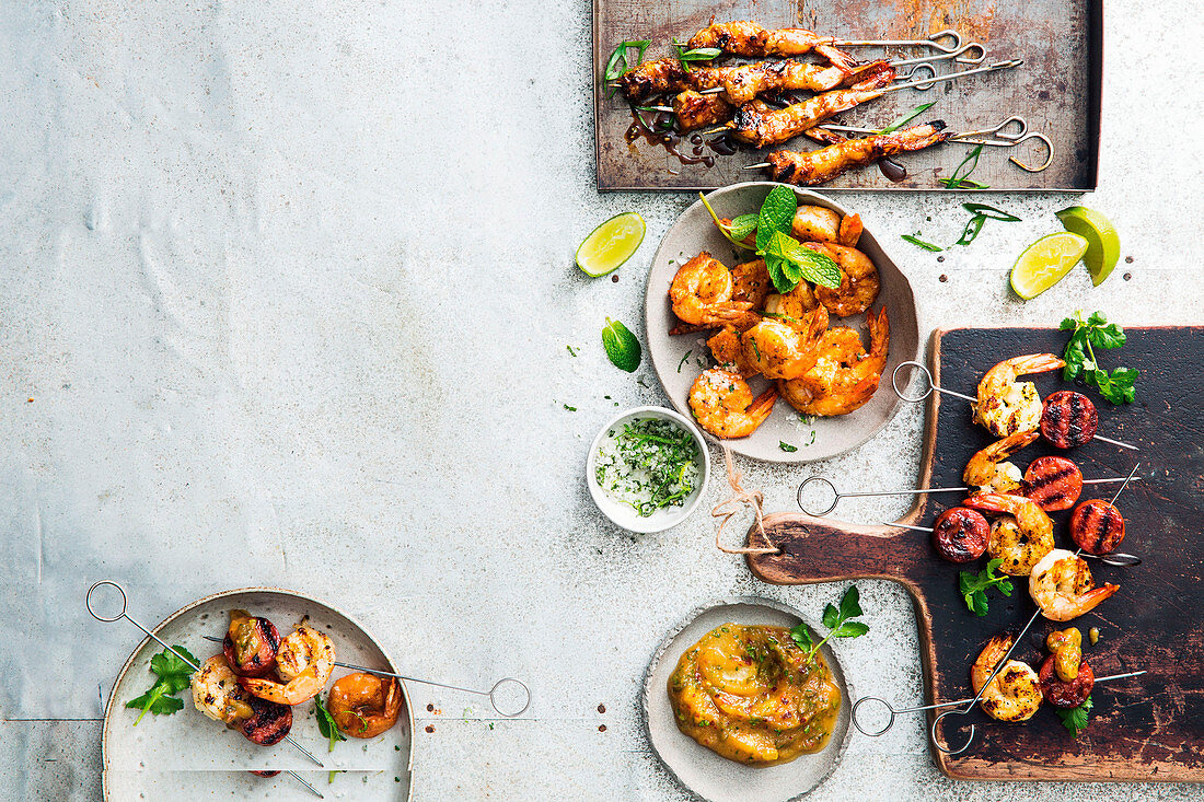 Three varieties of prawns and two dipping sauces