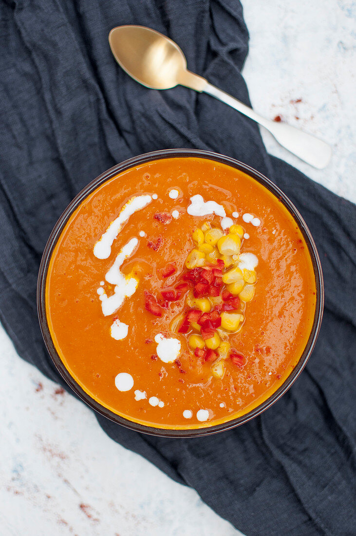 Cream soup with roasted pumpkin and roasted tomatoes
