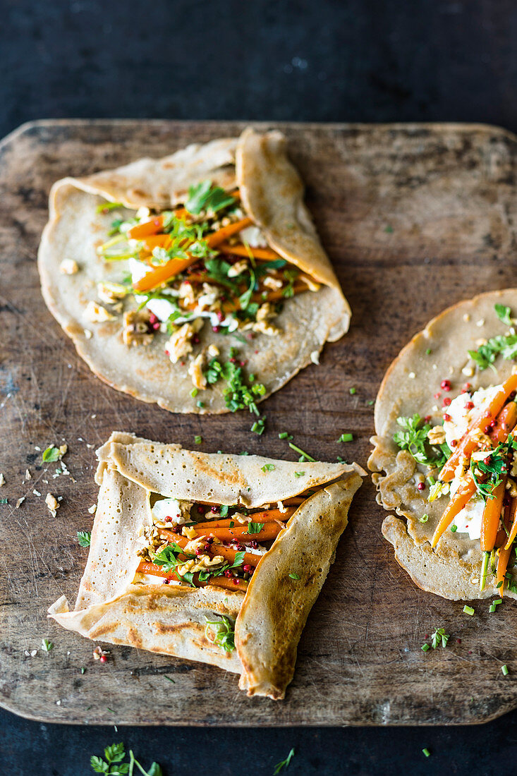 Galettes with glazed carrots