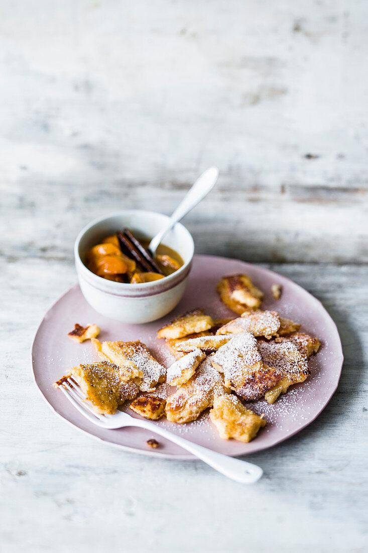 Quark semolina hash with stewed apricots