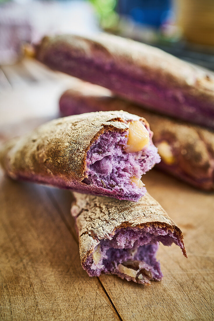 Purple red cabbage baguettes