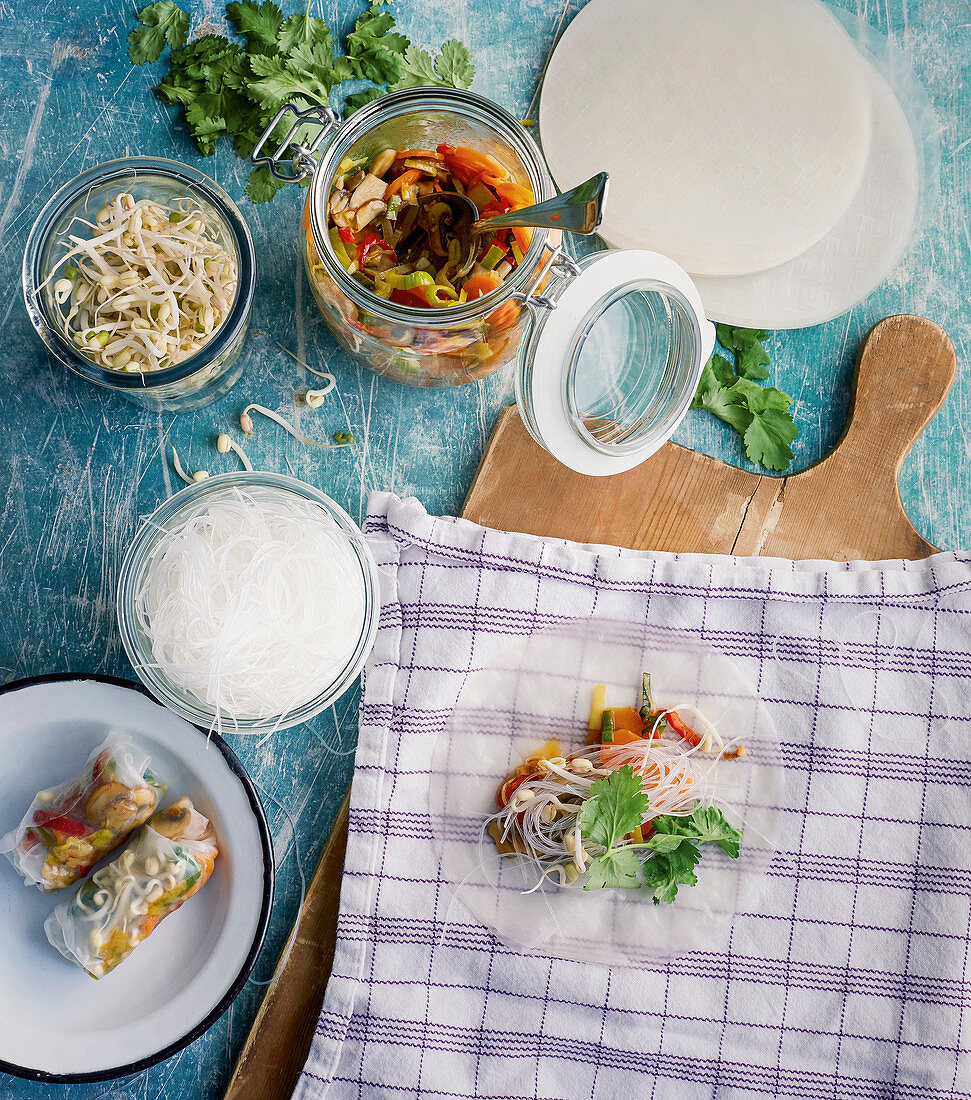 Summer rolls with glass noodles, vegetables and soya shoots