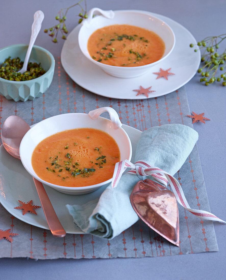 Süsskartoffel-Orangen-Suppe zu Weihnachten